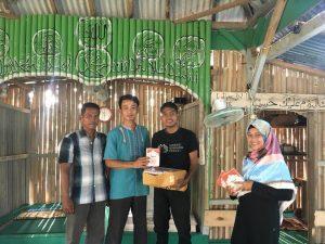 Semarakkan Masjid, Sinergi Sriwijaya Peduli Chapter Musi Banyuasin bantu perlengkapan ibadah