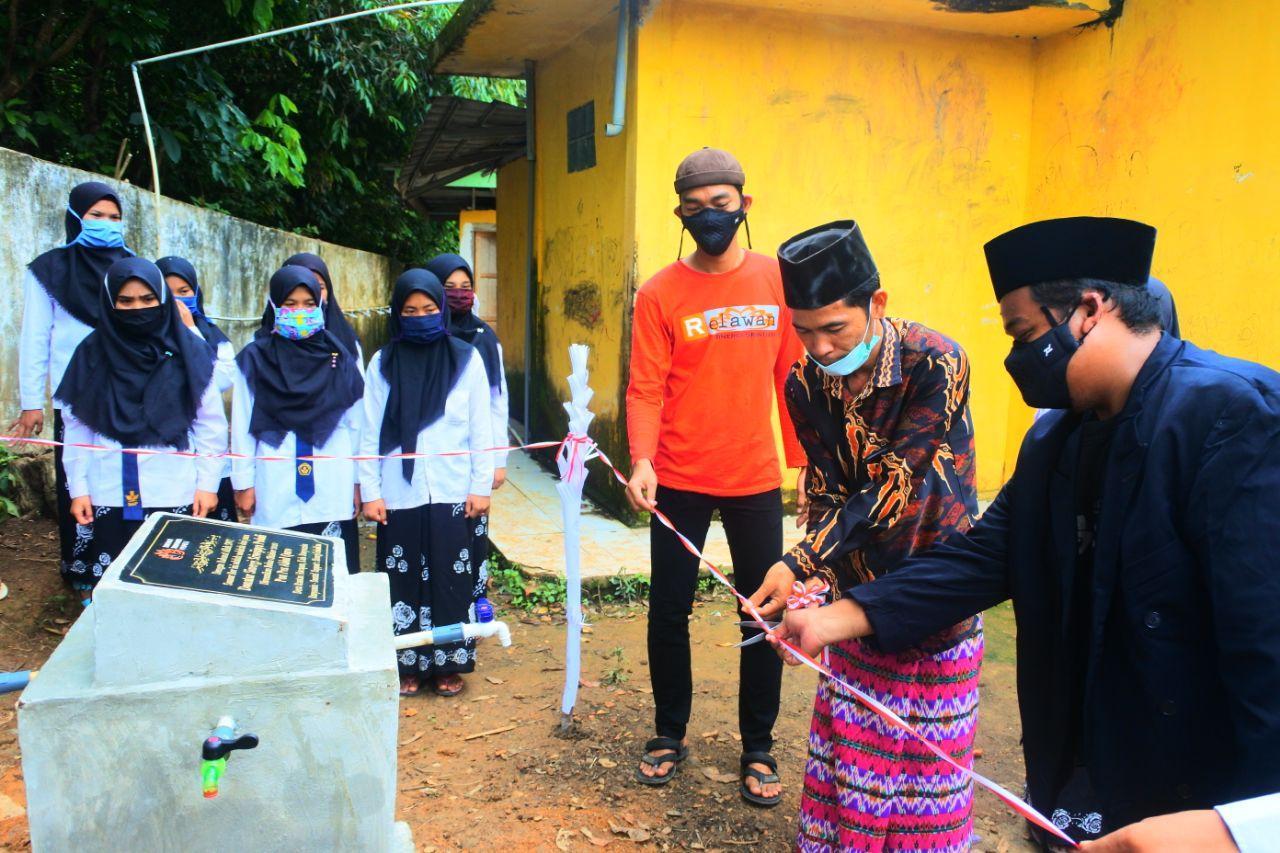 Gebyar Hari Santri, SS Peduli Resmikan Sumur Bor di Ponpes Ahlul Quro